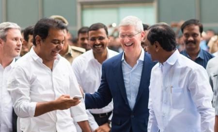 Тим Кук обещает снизить цены на iPhone за пределами США