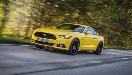 Ford: более половины автовладельцев готовы поделиться машиной за деньги