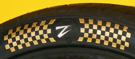 Комплект автомобильных шин Z Tyre Z1 продан за $600 тыс.