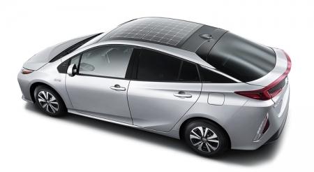 Toyota предложит для гибрида Prius крышу с солнечными элементами