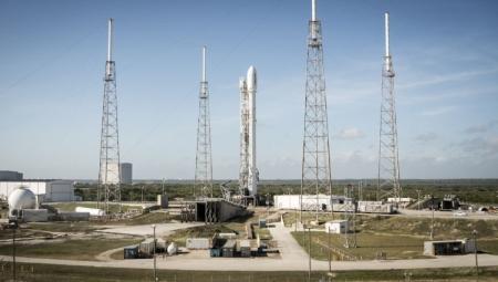 Ракета SpaceXFalcon 9 разрушилась при посадке на морскую платформу
