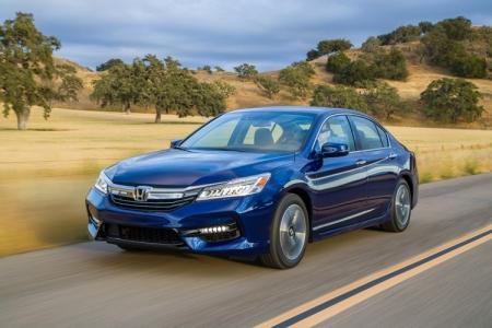 Стартовали продажи обновлённого седана Honda Accord Hybrid