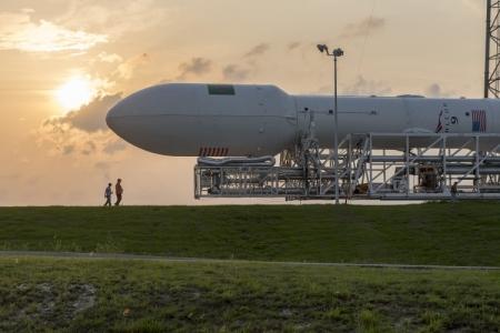 Видео неудачной попытки посадки Falcon 9 на морскую платформу