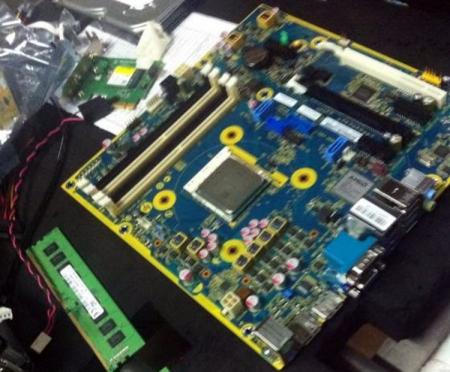 Замечена системная плата с разъёмом AMD AM4 и процессором A12-9800