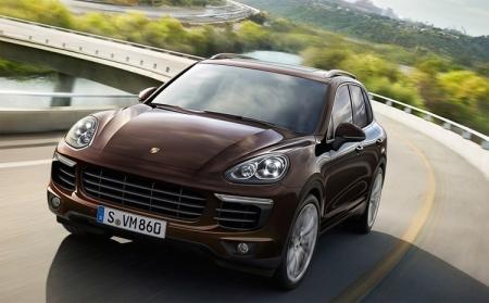 В России отозваны тысячи кроссоверов Porsche Cayenne из-за педали тормоза