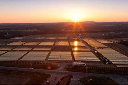 Apple будет торговать излишками электроэнергии от солнечных батарей