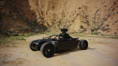 Багги Blackbird имитирует любой легковой автомобиль для AR-рекламы или фильмов