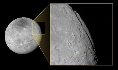 Фото дня: «гранд-каньон» на спутнике Плутона