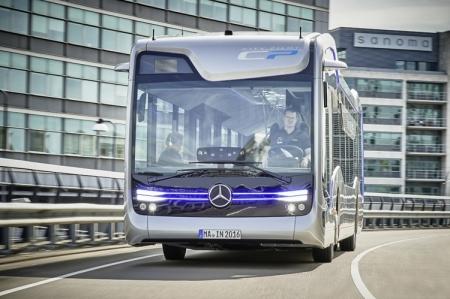 Беспилотный автобус будущего в представлении Mercedes-Benz