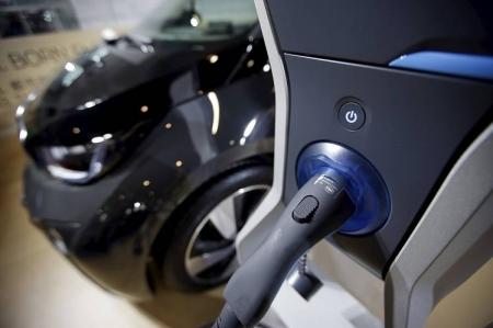 Ввоз легковых электромобилей в Россию снова стал беспошлинным