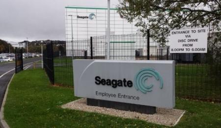 Seagate планирует уволить каждого седьмого сотрудника