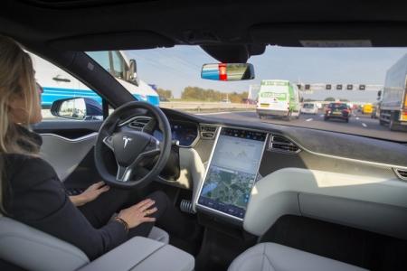 Tesla хочет улучшить автопилот без добавления лидара