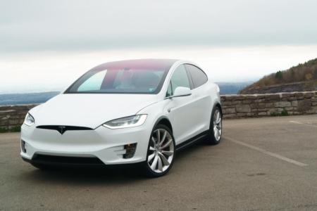 Ещё один TeslaModel X на автопилоте попал в аварию
