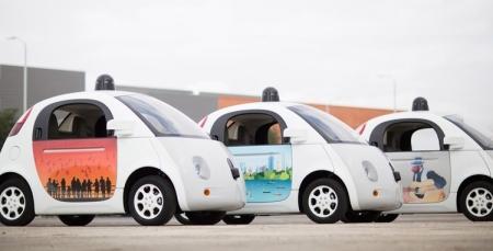 Робомобили Google учатся делить проезжую часть с велосипедистами