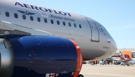 «Аэрофлот» разрешил использовать смартфоны и планшеты во время взлёта и посадки