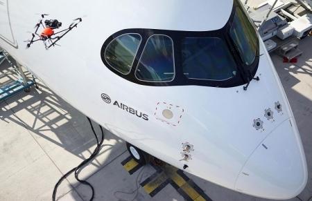 Airbus привлекла дроны к осмотру самолётов