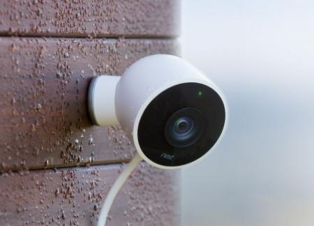 Nest представила камеру наружного наблюдения Cam Outdoor