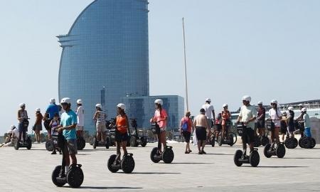 В Барселоне запретили ездить по набережной на сегвеях