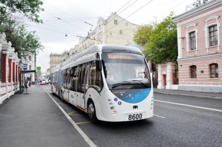 Первый гибридный троллейбус начал курсировать по Москве