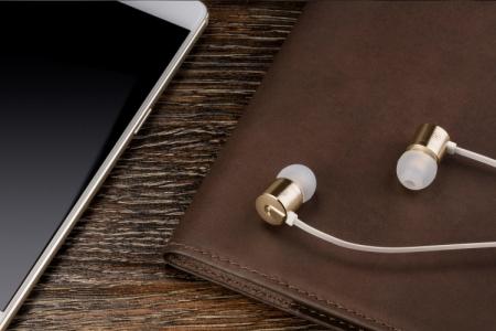 OnePlus представила 23-долларовую гарнитуруBulletsV2