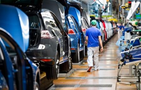 Volkswagen уговаривает партнёра возобновить поставки компонентов для Golf
