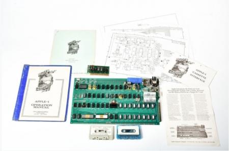 Раритетный компьютер Apple-1 выставлен на аукцион