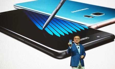 Samsung: для вывода гибких смартфонов на рынок потребуется время