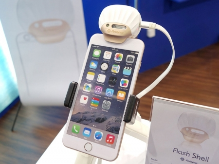 Fotopro FS-X1: ксеноновая Bluetooth-вспышка для iPhone
