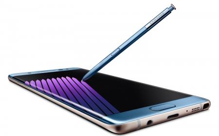 Росавиация призывает не использовать фаблет Galaxy Note 7 в полётах