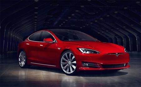 Tesla вскоре выпустит комплексное обновление автопилота