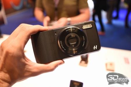 Аксессуар Lenovo превращает смартфоны Moto Z в цифрокомакты с 10x зумом