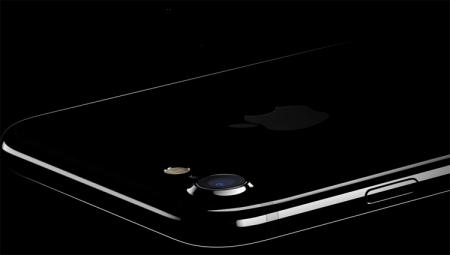 Apple предупреждает: iPhone 7 цвета «чёрный оникс» подвержен появлению царапин