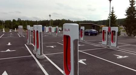 В Норвегии заработала самая большая в мире станция зарядки Tesla Supercharger