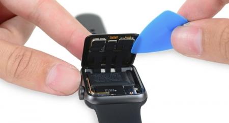 Разборка Apple Watch Series 2 выявила увеличенную на треть ёмкость аккумулятора