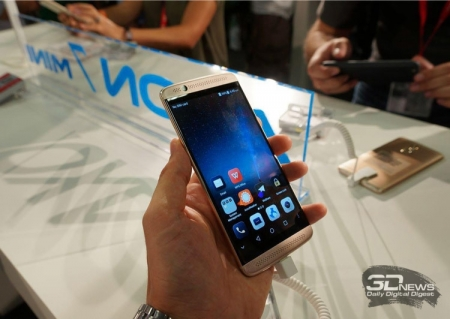IFA 2016: смартфон ZTE Axon 7 Mini представлен официально