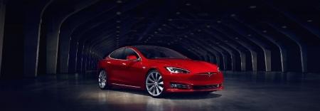 Видео дня: беспроводной взлом Tesla Model S