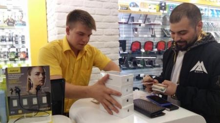 В России начались продажиiPhone 7 и iPhone 7 Plus