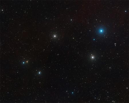 Обнаружена «голодающая» чёрная дыра в центре далёкой галактики