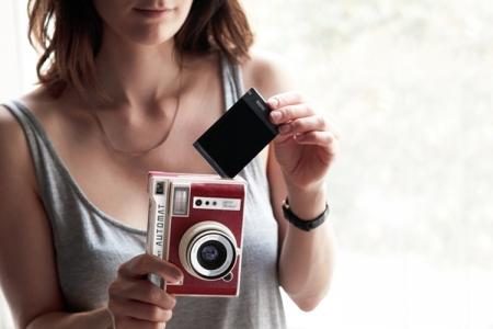 Lomo'Instant Automat: фотокамера с функцией мгновенной печати