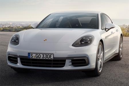 Porsche Panamera 4 E-Hybrid: спортивный фастбэк с бензо-электрической силовой установкой