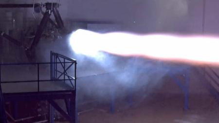 SpaceX провела первые испытания двигателя для полётов на Марс