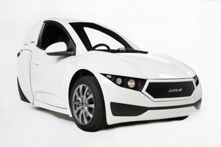 Electra Meccanica Solo: одноместный трёхколёсный автомобиль с электроприводом