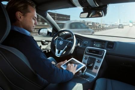 Автомобили Volvo получат опцию автопилота стоимостью $10 тыс.