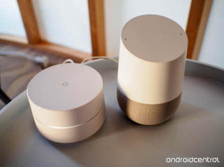 Google WiFi и Google Chromecast Ultra: на арену выходит стильный роутер и обновлённая телеприставка