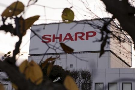 Sharp вложит $566 млн в OLED-дисплеи и ведёт переговоры с Apple