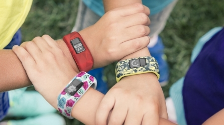Фитнес-трекер Garmin Vivofit Jr. поможет детям вести активный образ жизни