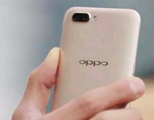 Смартфон Oppo R11 засветился на фотографии
