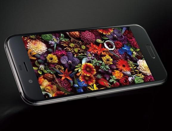Смартфон Sharp Aquos R наделен 23-мегапиксельной камерой