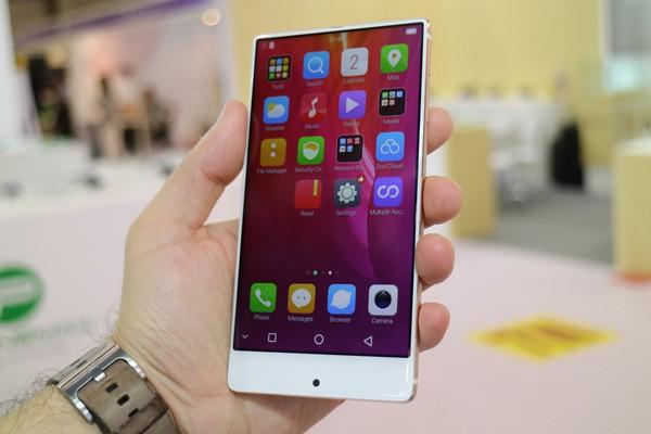 Umidigi Crystal станет самым доступным безрамочным смартфоном