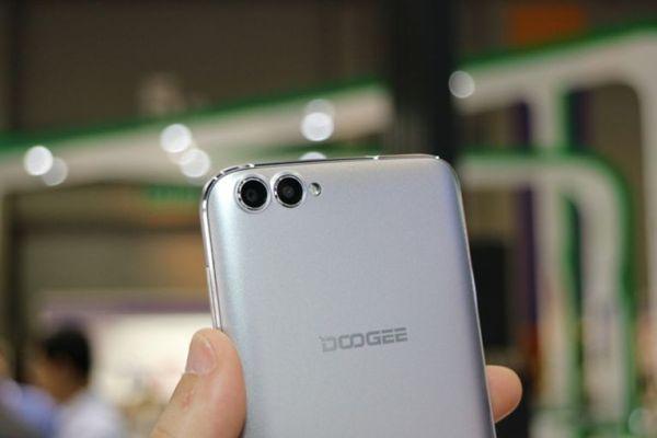 Doogee анонсировала двухкамерные смартфоны Shoot X и Shoot X2
